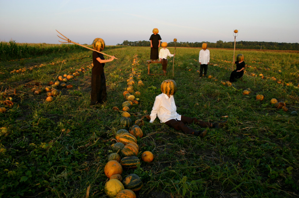 크기변환_Pumpkin Harvest_Melon Heads Harvesting, 2005.jpg